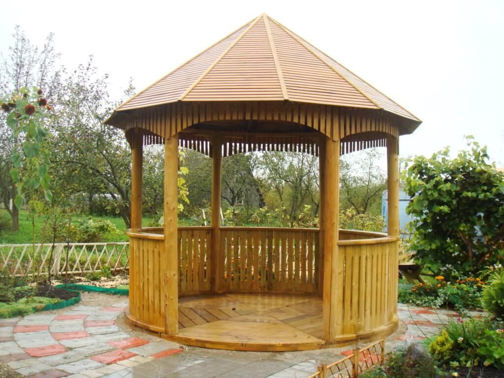 Деревянная круглая постройка