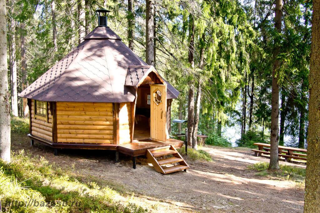 Гриль-домик в лесу