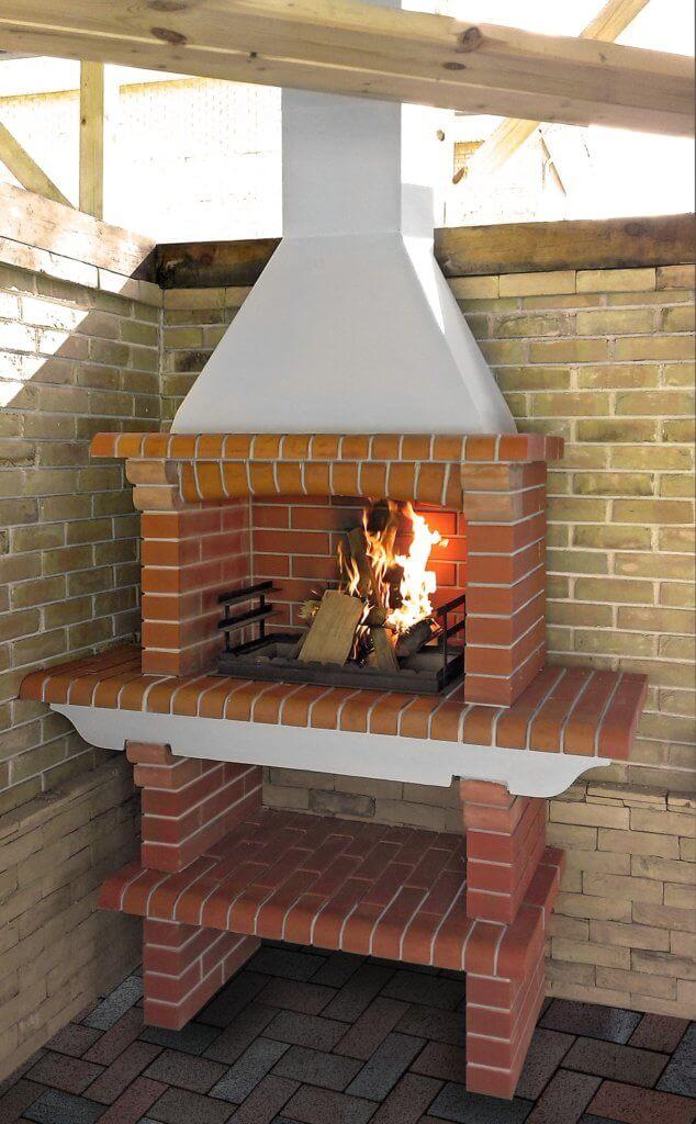 Печь с дымоходом